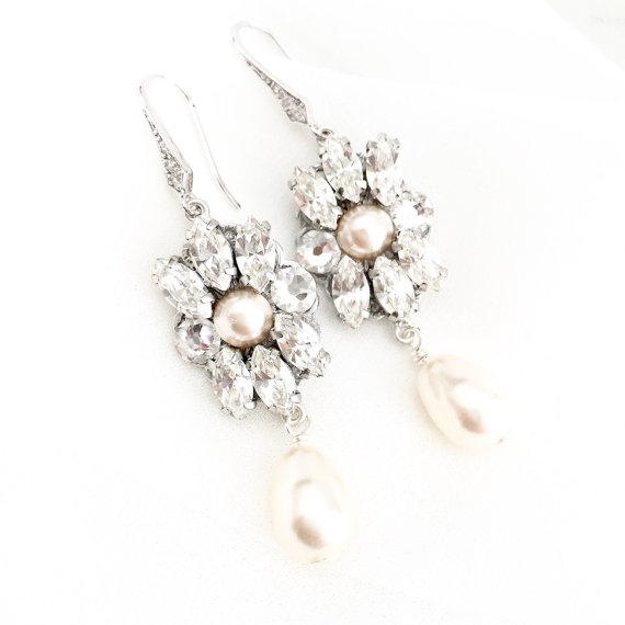pale blush chandelier bridal earrings with pearls