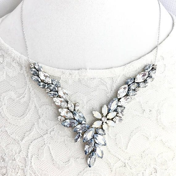 Love this bridal necklace with just a hint of somethinghellip