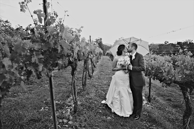 A Beautiful Georgia Vineyard Wedding | Casey + Nathan - http://emmalinebride.com/real-weddings/beautiful-georgia-vineyard-wedding-casey-nathan| Melissa Prosser Photography