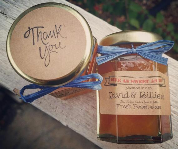 707f3a330b8bfe Best Wedding Favors for 2018 (+ Under  5!) - BridalPulse