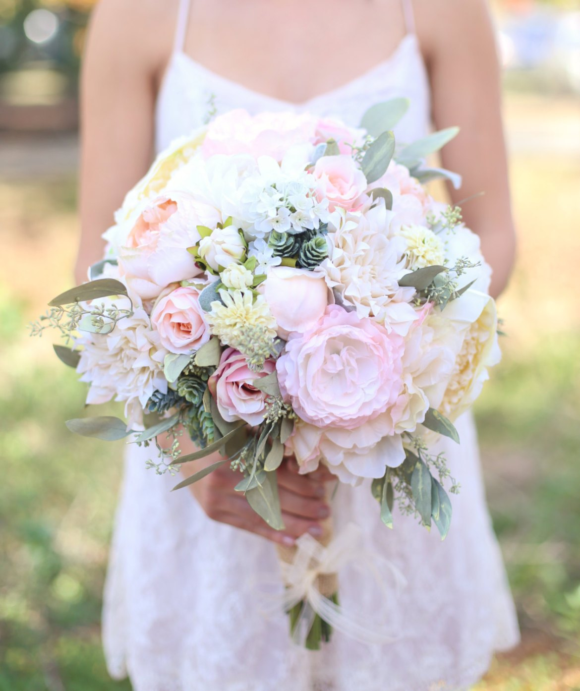 What To Carry Down the Aisle Instead of Flowers - BridalPulse