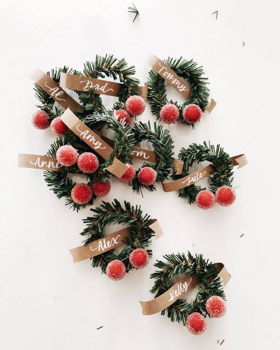 holiday wreath place cards