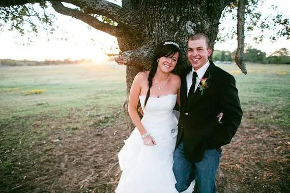 8 Secrets to a Stress Free Wedding Day (photo: justin battenfield) - via EmmalineBride.com