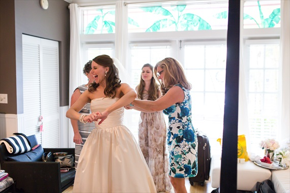 Filda Konec Photography - Hemingway House Wedding - bride getting ready and having fun