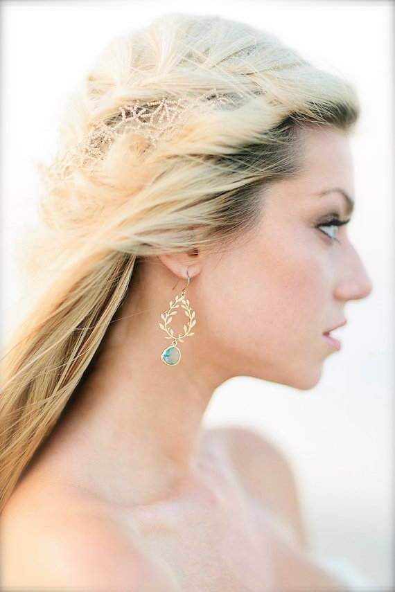 aquamarine laurel wreath earrings | via Best Aquamarine Jewelry Finds on Etsy - http://emmalinebride.com/bride/best-aquamarine-jewelry/