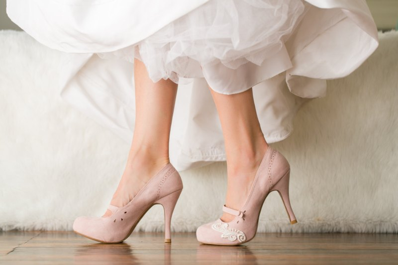 blush pink mary jane heels | via 31 Best Handmade Wedding Shoes http://emmalinebride.com/bride/handmade-wedding-shoes/