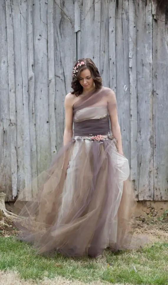 How to Plan a Rustic Fairytale Wedding (photo by Jessy Carte via EmmalineBride.com)