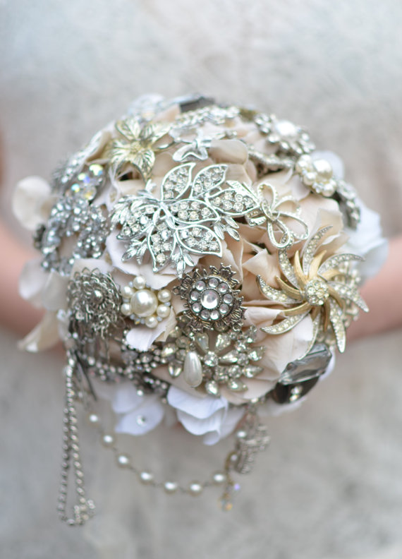 brooch bouquet in silver by jarendsdesigns