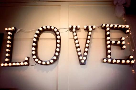 diy love marquee by brittany makes via Easy DIY Wedding Ideas
