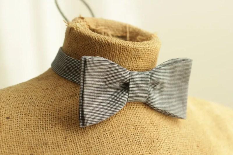 diy mens bow tie   Best DIY Wedding Projects via http://emmalinebride.com/decor/best-wedding-diy-projects/
