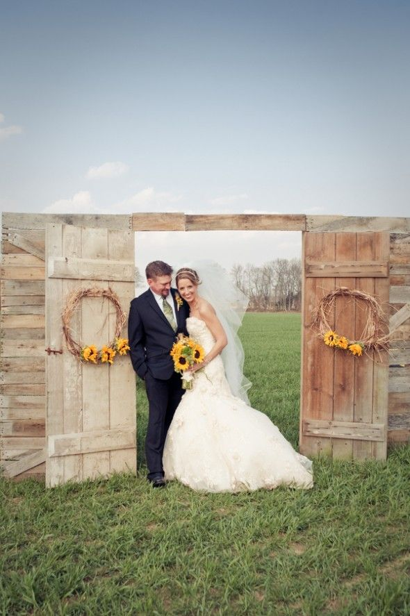fall wedding backdrop with doors | Ceremony Backdrops Doors | photo Laura Leigh Photo : wedding doors backdrop - pezcame.com