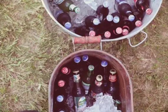 galvanized-tub-drinks-wedding