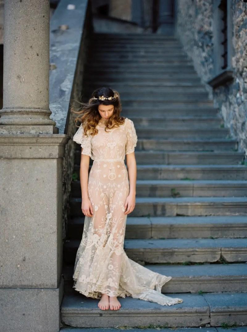 golden maple leaf crown bride