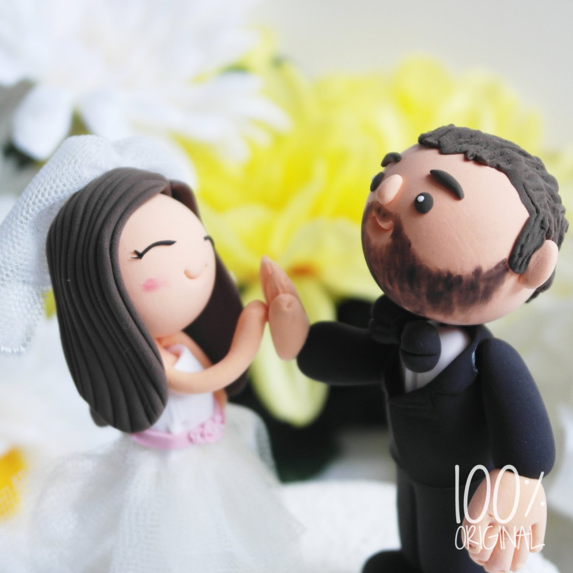 high five cake topper - 9 Adorable Custom Made Cake Toppers via http://emmalinebride.com/decor/custom-made-cake-toppers/