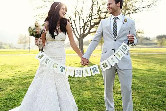 Just Married - Wedding Photo Props (image: kelsey lauren photography, banner: liddabits via emmalinebride.com)