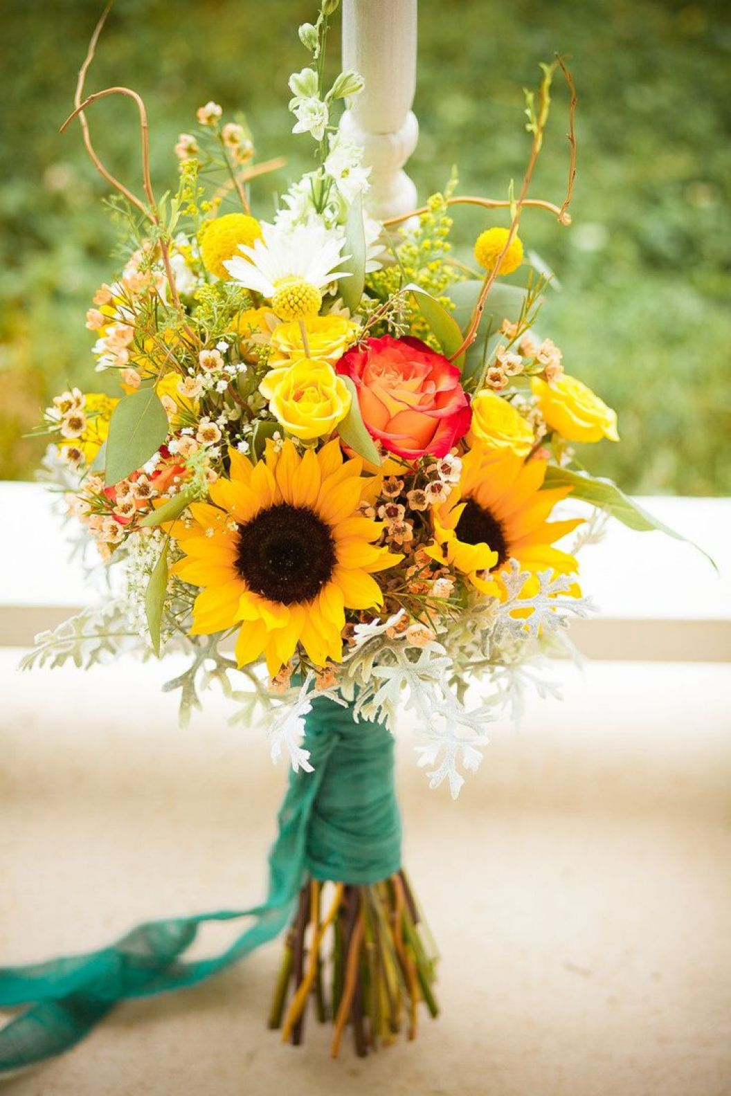 sunflower bouquets for weddings sunflower wedding bouquets summer and fall weddings 7823