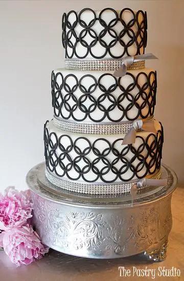 mod circles contemporary wedding cake