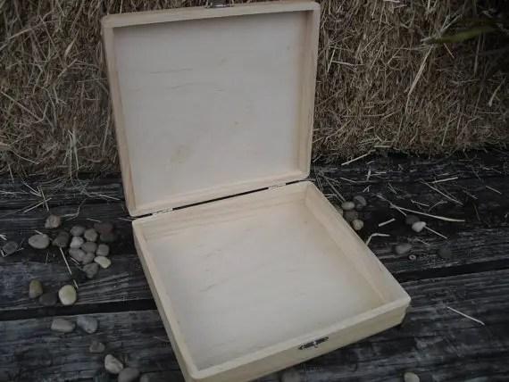 groomsmen cigar boxes