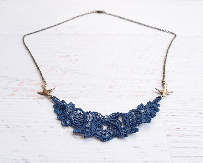 navy blue lace necklace | via http://emmalinebride.com/decor/navy-and-white-wedding-ideas/ | from 21 Navy and White Wedding Ideas