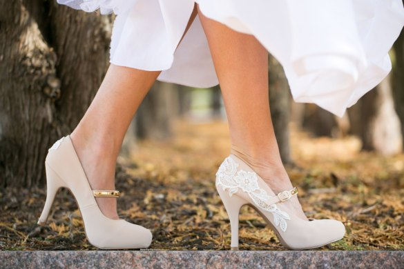 platform heels with lace wedding shoes for bride | via http://emmalinebride.com/bride/wedding-shoes-for-bride/