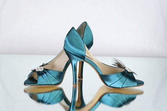 Wedding Shoe Tips: Peacock Heels by Paris XOX