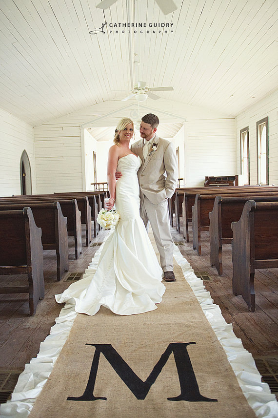 6 Clever Ways to Personalize Your Wedding (burlap runner: love burlap, photo: catherine guidry)