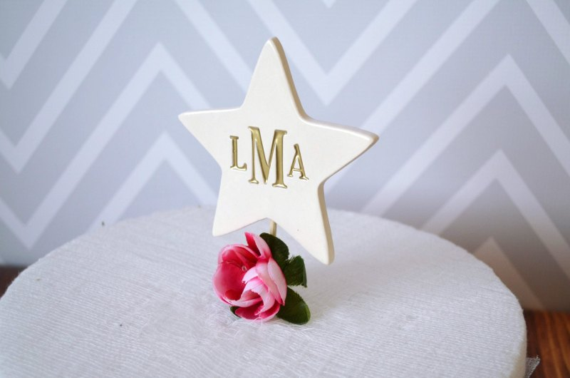 personalized star cake topper by Susabellas | via Starry Night Weddings http://emmalinebride.com/vintage/starry-night-weddings-ideas/