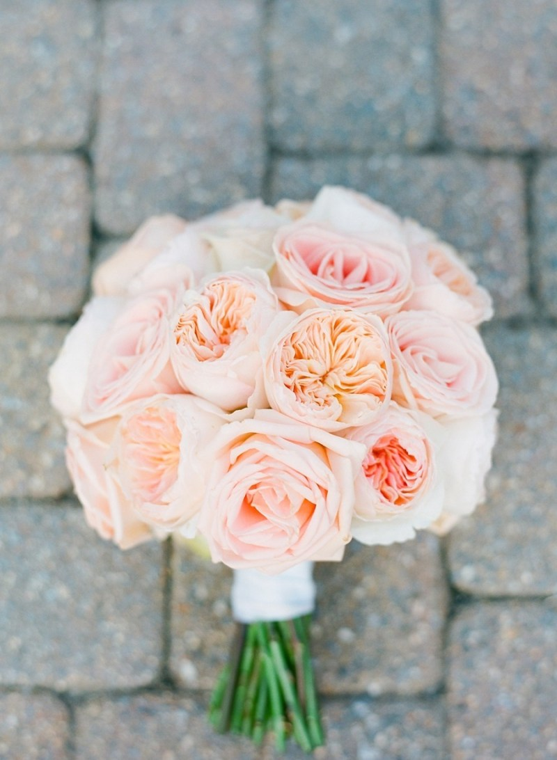 pink rose bouquet with peonies - photo: jodi miller, floral design: julie's floral design | rose bouquets weddings via http://emmalinebride.com/bouquets/rose-bouquets-weddings/