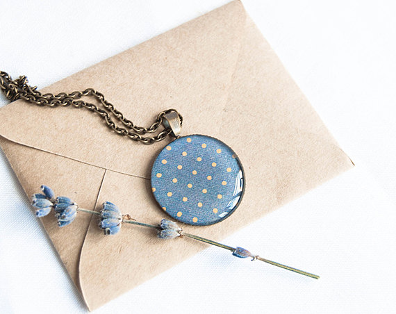 polka dot blue necklace | via polka dot wedding ideas http://emmalinebride.com/themes/polka-dot-wedding-ideas-handmade/