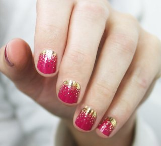 nail wraps   via http://emmalinebride.com/bridal/engagement-ring-care/