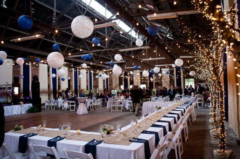 reception for navy blue and white wedding, photo: kristina cipolla | via http://emmalinebride.com/decor/navy-and-white-wedding-ideas/ | from 21 Navy and White Wedding Ideas