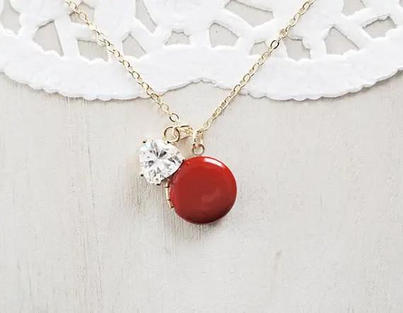 20 Valentines Day Gift Ideas - red locket