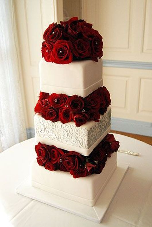 wedding cake with fresh red roses wedding ideas wedding theme traditional 26895