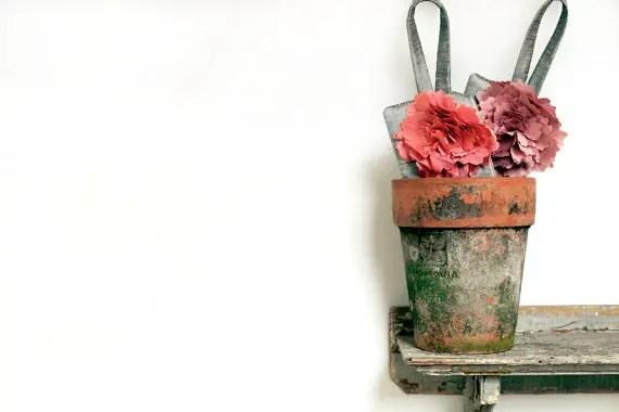 Best Bridesmaid Gift Ideas from A-Z (via EmmalineBride.com) - wristlet clutch purse by eclu