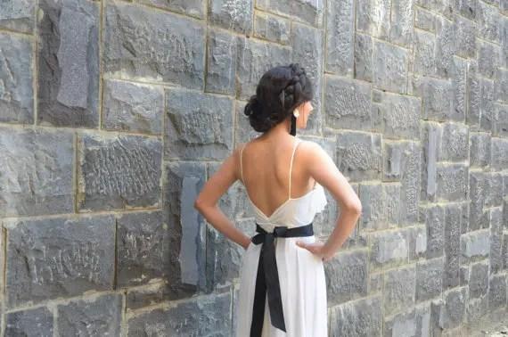 v neck back
