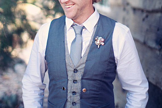 vintage button boutonniere | photo: clay austin | via What Kind of Boutonniere to Pick (and Why) http://emmalinebride.com/groom/what-kind-of-boutonniere/