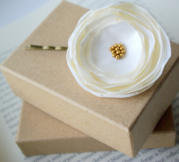 veil alternatives: #1 flower hair pins (by nia person via emmaline bride) #handmade #wedding #hair