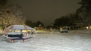 Pudsey Park in the snow