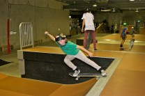Chick's Can Skate: Inonit