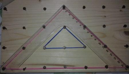 Triangoli rettangoli con angolo retto in alto