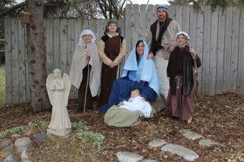 Family-Nativity-2017-(4)