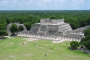 1024px-Templo_de_los_Guerreros