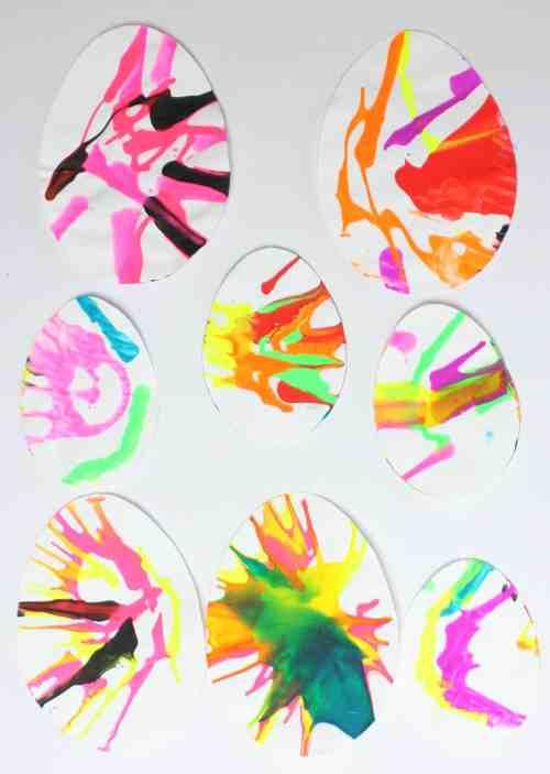 Salad spinner easter egg painting