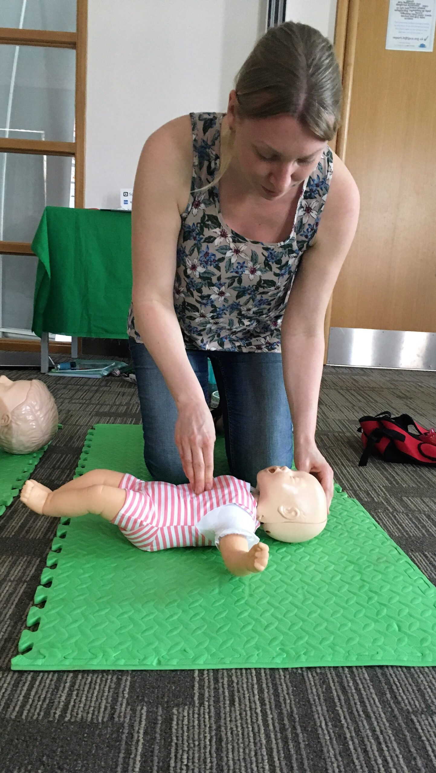 compressions on the baby's chest