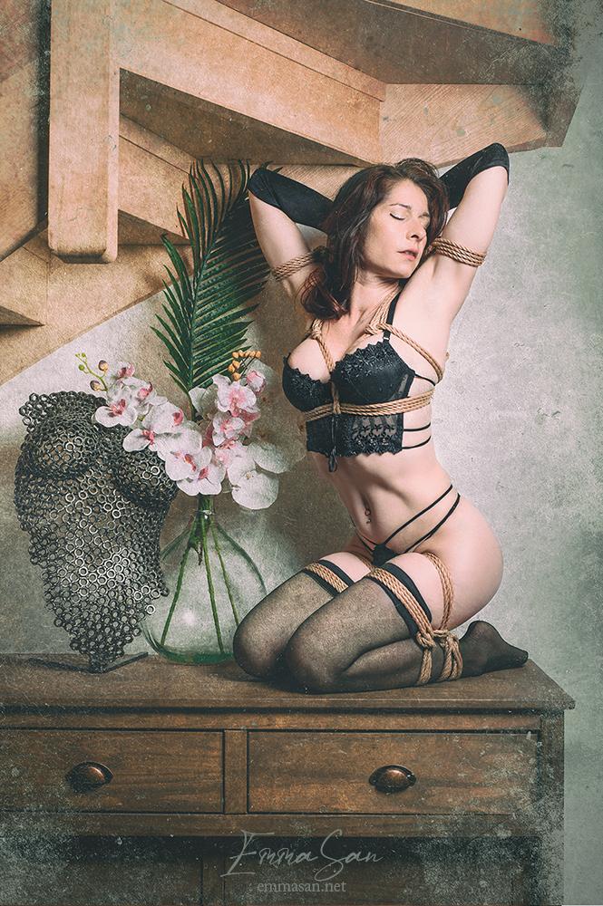 "Tirage photo: ""Shibari – Jute rope & Black lace"""