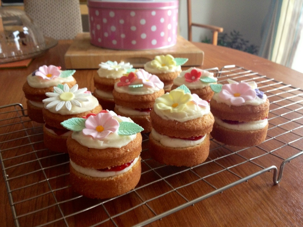 Mini Birthday Victoria Sponge Cakes