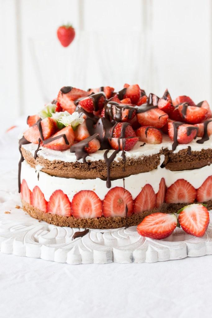Erdbeer-Schoko-Quarktorte - Herz-5