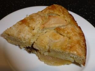 Apple, Semolina & Vanilla Syrup Cake