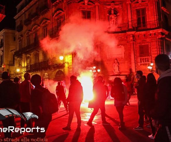 Palermo, scontri durante la protesta contro il DPCM