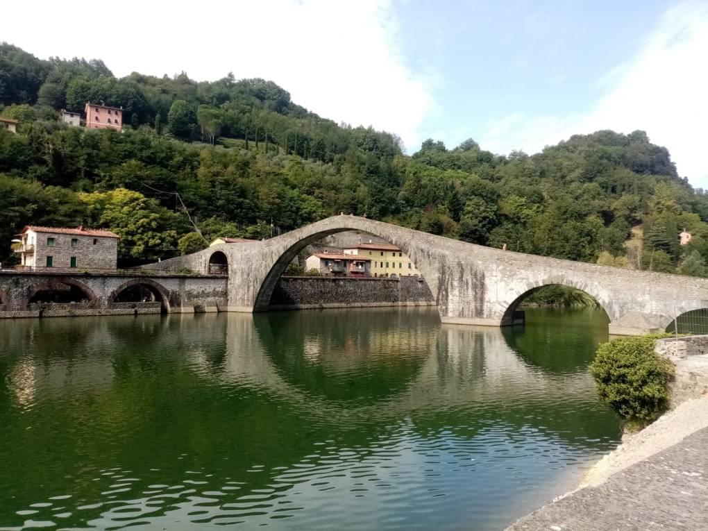 Garfagnana insolita: la leggenda del ponte del Diavolo